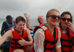 Spanish language school boat tour in Panama City
